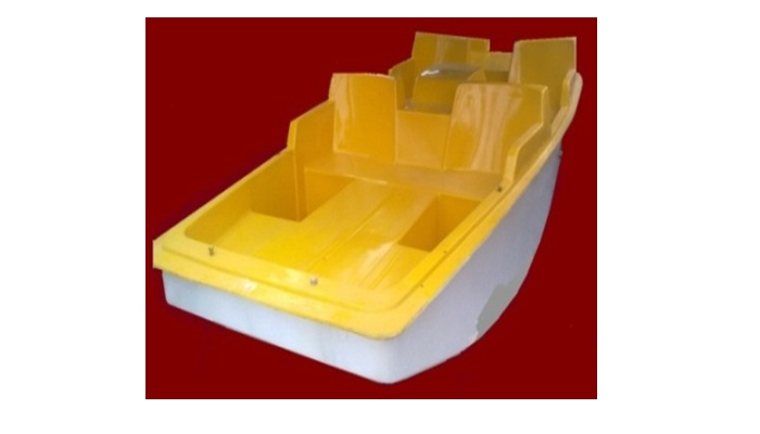 4-SEATER PADDLE BOAT